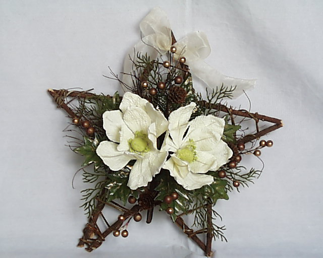Artificial Flower - Poinsettia Magnolia Ring