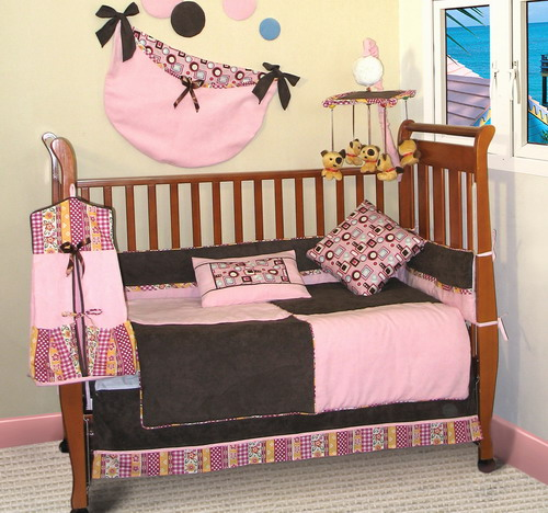 Baby Bedding (Chocolate Pink)